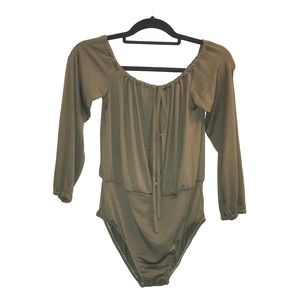 Tops - ✨Army Green 3/4 Sleeves Body Suit